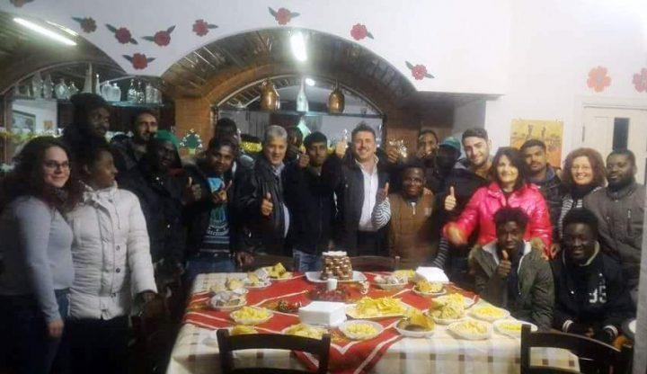 Weihnachtsfeier der Migranten von Roscigno in Italien