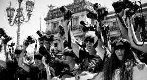 Camarazo frente al Congreso: No disparen contra la prensa