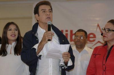 En entrevista con Radio Progreso, Salvador Nasralla denuncia fraude e infiltración gubernamental en manifestaciones de protesta en Honduras
