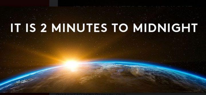 2 minuti alla mezzanotte:  gli scienziati atomici hanno aggiornato l'orologio