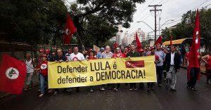 Foro de comunicadores latinoamericanos se pronuncia en rechazo a persecución judicial contra ex presidente Lula