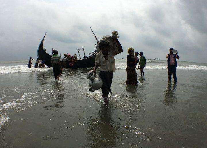 Rohingya, MSF: «Después de 6 meses el escape continúa. Con la próxima estación lluviosa, existe el riesgo de una emergencia»