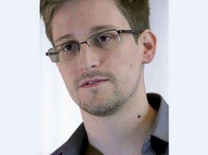 Edward Snowden recebe residência permanente na Rússia