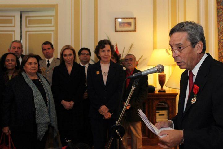 Alberto Mayol en Fundación Chile 21: Una incómoda situación para el FA