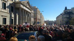 Miles de personas se manifiestan en toda España para exigir unas pensiones dignas