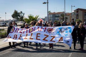 A Punta Izzo con Danilo Dolci, cittadini in corteo a difesa della bellezza