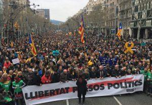 Ένταση στους δρόμους και απαίτηση γενικής απεργίας μετά τη σύλληψη του Puigdemont στη Γερμανία