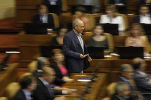 Hirsch: «Es hipócrita que hablen de patriotismo quienes regalaron el mar chileno»