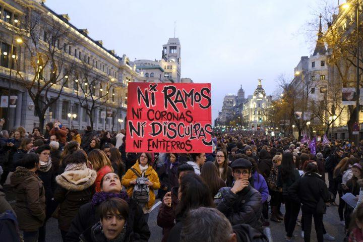 8. März, Streik der Frauen: Millionen Menschen marschieren in Madrid
