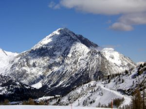 A Briançon, con l'ong che a 1.300 metri salva i migranti da neve e rimpatri