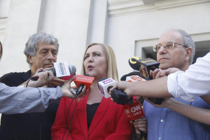A cinco días de que termine su gobierno, humanistas insisten que Bachelet cumpla sus promesas de DD.HH.