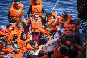 "Nave Open Arms: ""Continueremo a proteggere i migranti"""