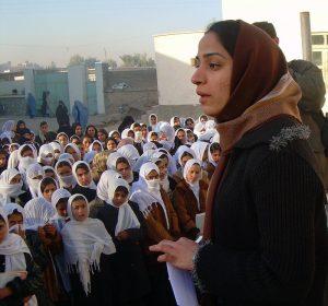 Afghanistan, sguardo di donna: incontri con Malalai Joya