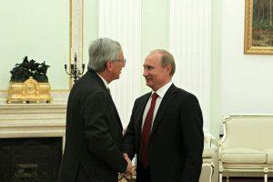 Juncker: «Europa y Rusia deben recuperar el contacto y superar la retórica de la Guerra Fría»