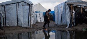 Francia continúa violando los derechos humanos de migrantes