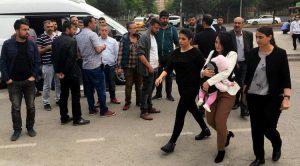 Turchia: un'insegnante contro la guerra in carcere con sua figlia