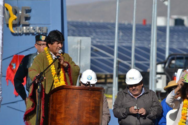 Bolivia cuenta con nueva central de energía solar