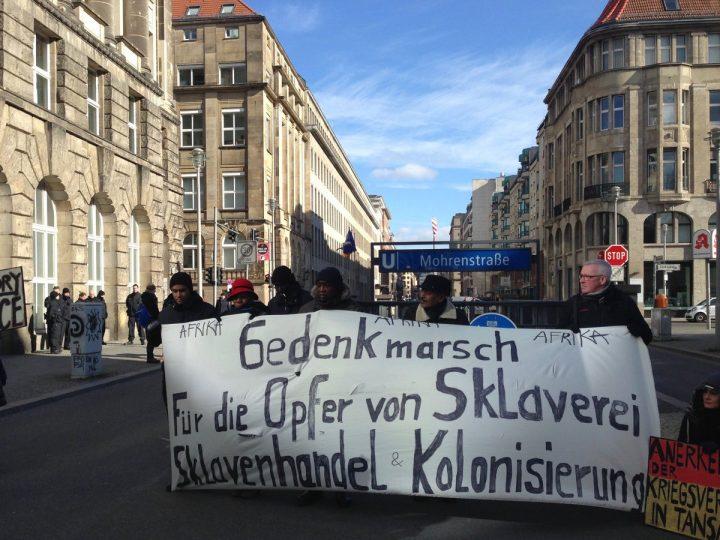 """Africa, le strade di Berlino cambiano nome: """"Basta colonialismo"""""""