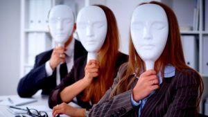 Cambridge Analytica no cierra, cambia de piel: la manipulación sigue