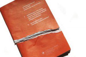 Destrucción de folletos informativos electorales – protesta contra la propaganda del Consejo Federal