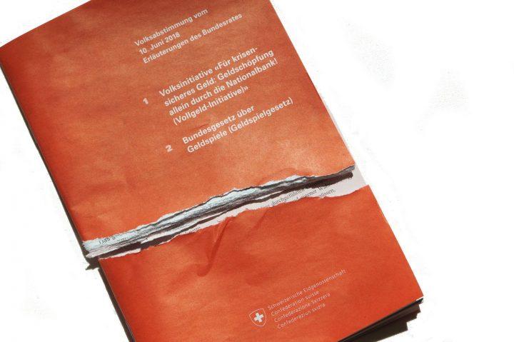 Abstimmungsbüechli geschreddert- Protest gegen Bundesratspropaganda