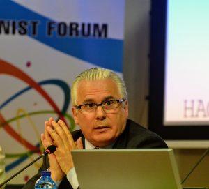 Juez Baltasar Garzón: «no creo en las fronteras… soy universalista»