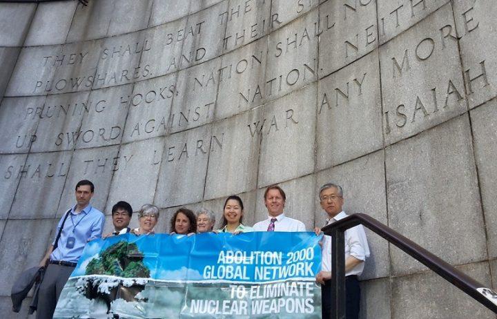 I medici sollecitano gli stati a firmare il trattato sulle armi nucleari