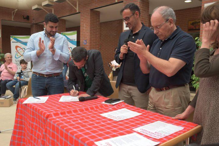 FHE, diputats de quatre països signen Compromís amb Tractat Prohibició Armes Nuclears
