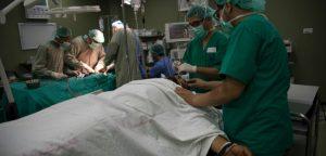 Γιατροί χωρίς Σύνορα: απαράδεκτο και απάνθρωπο το λουτρό αίματος των αμάχων στη Γάζα