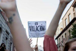 El fallo de «la manada» analizado por la abogada de Women's Link Worldwide, Estefanny Molina
