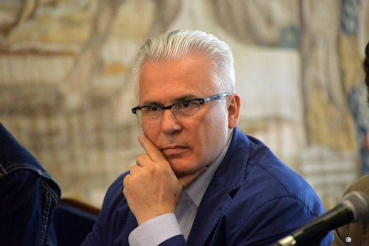 Spanish jurist denounces US political harassment against Assange