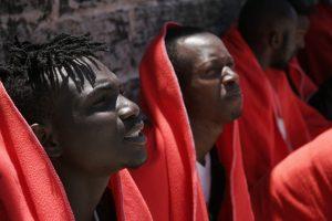 Weitere Migranten vor spanischer Küste
