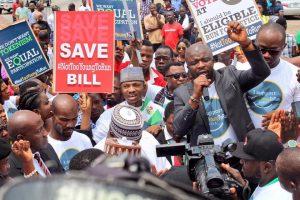 Nigeria, candidati più giovani con la legge #Nottooyoungtorun