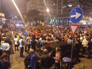 Palerm, 11 de juny: més de mil persones demanen l'obertura dels ports