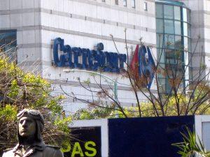 Carrefour prepara el cierre de 243 supermercados en Francia