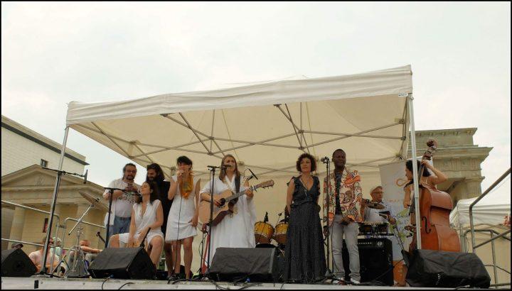 Artisti di tutto il mondo suonano per la pace a Berlino
