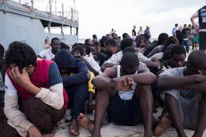 Bene stop alla deportazione dei migranti nelle navi quarantena. Misura giusta anche se tardiva