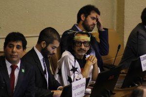 Diputado Raúl Florcita Alarcón canta en el Congreso chileno