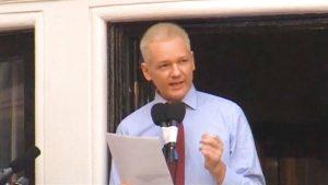 Ecuador se prepara para entregar a Julian Assange a autoridades británicas