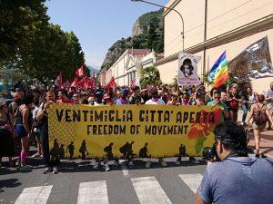Més de 5.000 persones reclamen un permís de residència europeu a Ventimiglia