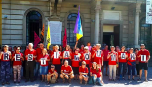 Immigrazione: le magliette rosse colorano l'Italia