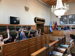 El pleno municipal de Santiago de Compostela insta al Gobierno de España a ratificar el Tratado de Prohibición de Armas Nucleares en Naciones Unidas
