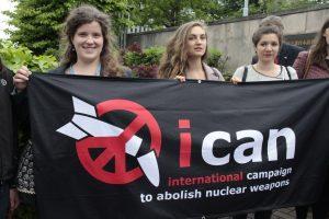 Primo anniversario Trattato contro armi nucleari: a Roma consegna simbolica di 31.000 cartoline e 150 OdG di Enti Locali