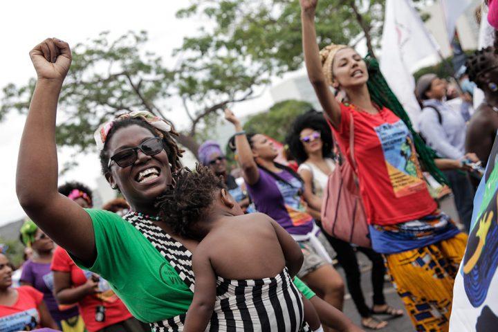 Dia da mulher negra e dia do orgulho crespo: datas que ampliam espaços de luta
