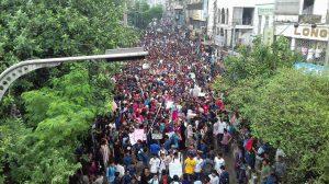 Des étudiants bangladais manifestent pour la sécurité routière et la justice