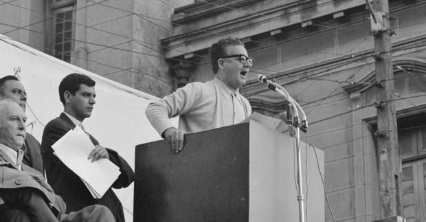 Piñera falsea la realidad sobre Salvador Allende