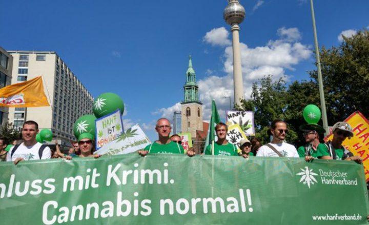 6000 Teilnehmer fordern auf 22. Hanfparade die Legalisierung von Cannabis