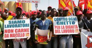 Marcia dei berretti rossi, adesione totale allo sciopero dei braccianti USB