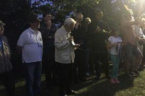 Con ocasión de la colocación de la lápida por la paz en Tolè