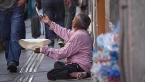 Cepal: Ingreso de 10 mexicanos equivale al de 60 millones de pobres